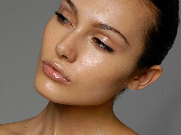 Cinco tips básicos para combatir de raíz la piel grasa