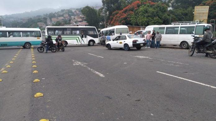 autoridades del Gobierno transporte