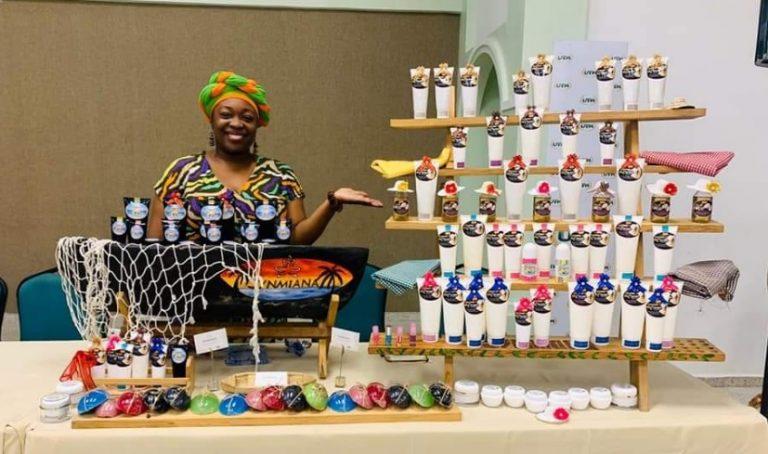 Emprendedora garífuna crea exitosa línea de belleza con aceite de coco