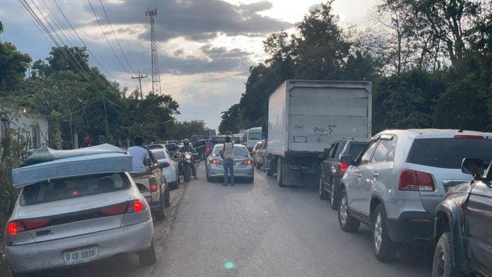 tráfico en carretera a Occidente