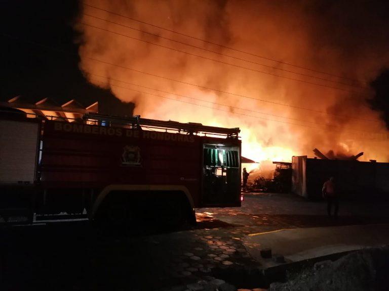Por quema de desechos habría iniciado incendio en Zip Búfalo, Villanueva
