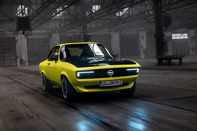 Opel Manta, un clásico convertido en eléctrico: caja manual y tracción trasera