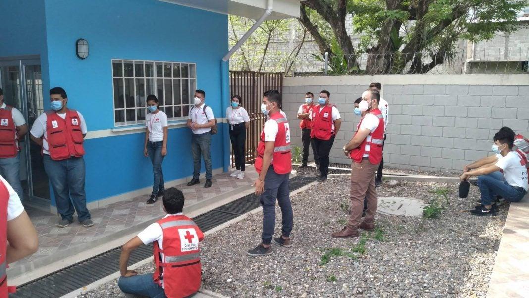 Cruz Roja denuncia vacuna