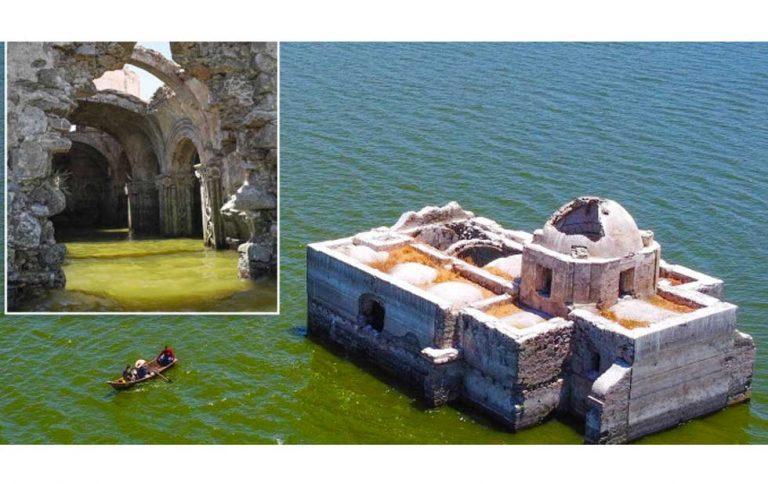 """México: iglesia del siglo XIX """"resucita"""" tras estar 40 años sumergida en el agua"""