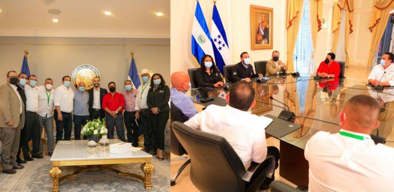 Con alfombra roja y en Casa Presidencial: así recibieron a alcaldes en El Salvador