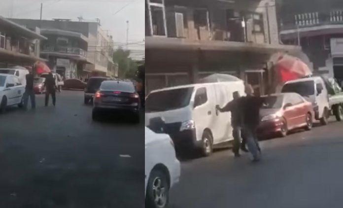 hombres pelean a machetazos en La Ceiba