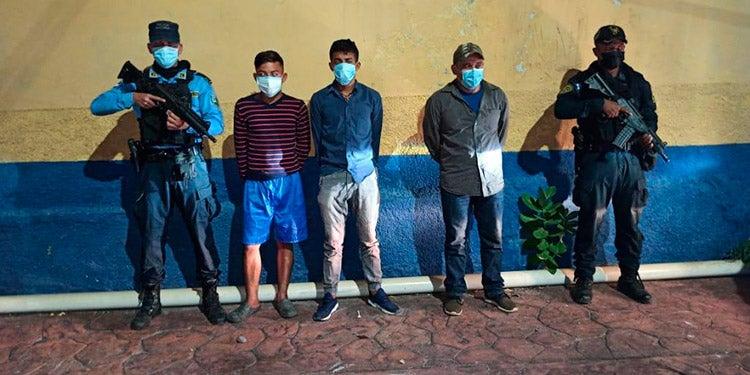 Cae banda de «coyotes» hondureños que llevaba a 16 migrantes a EEUU