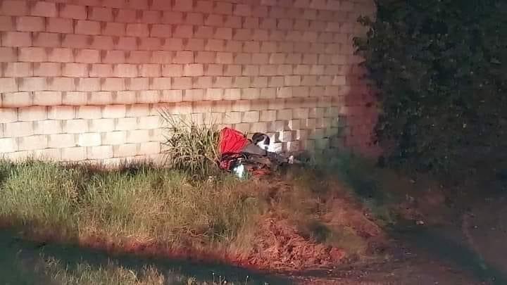 motociclista muere chocar muro SPS