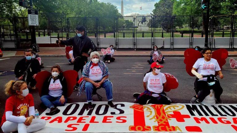 En protesta, migrantes reprocharon «promesas vacías» de Joe Biden