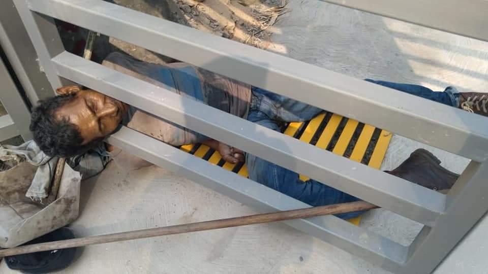 hombre muere portón Hospital Atlántida