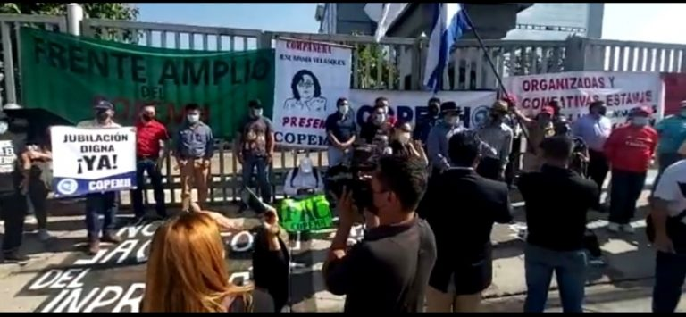 Docentes «en pie de lucha»: exigen derogar PCM y no tocar fondos del INPREMA