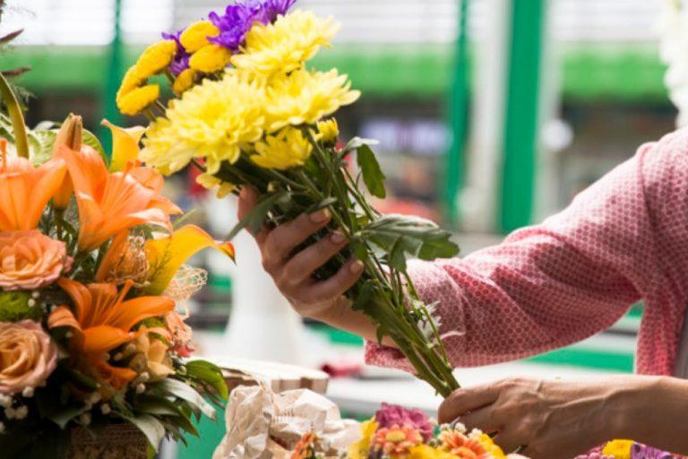 Flores para mamá: ¿Cuáles ramos son los más cotizados en TGU?