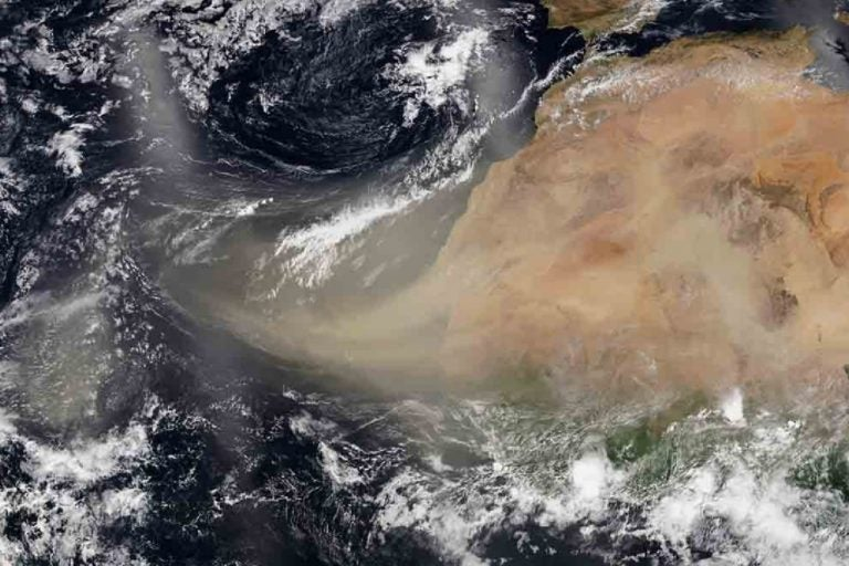 Advierten que extensa nube de polvo del Sahara ya está en Honduras