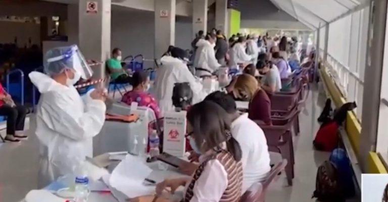 Gobierno anuncia vacunación en municipios turísticos «para resucitar empleos»