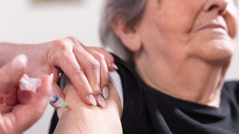 Vacunación en SPS| ¿Quiénes podrán inmunizarse contra el COVID-19 mañana?