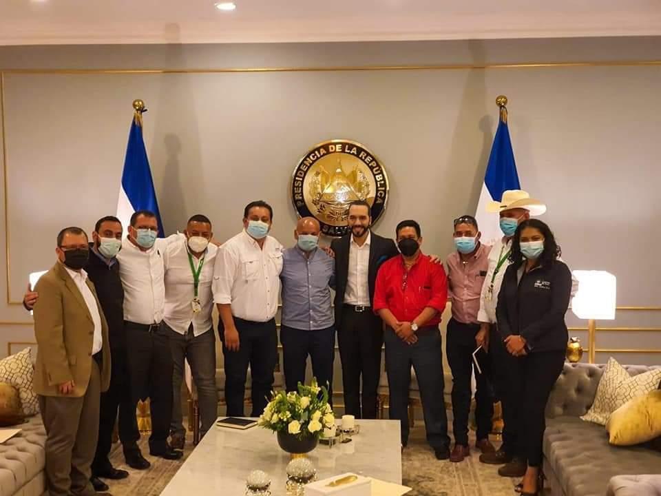 alcaldes volverán a viajar a El Salvador