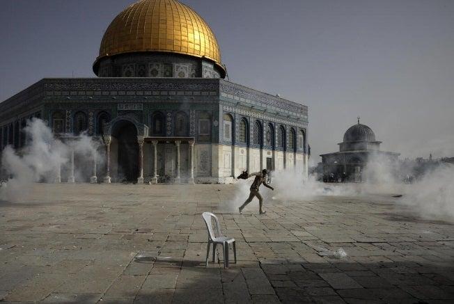 Tras lanzamiento de cohetes a Jerusalén, Israel bombardea Gaza; hay 20 muertos