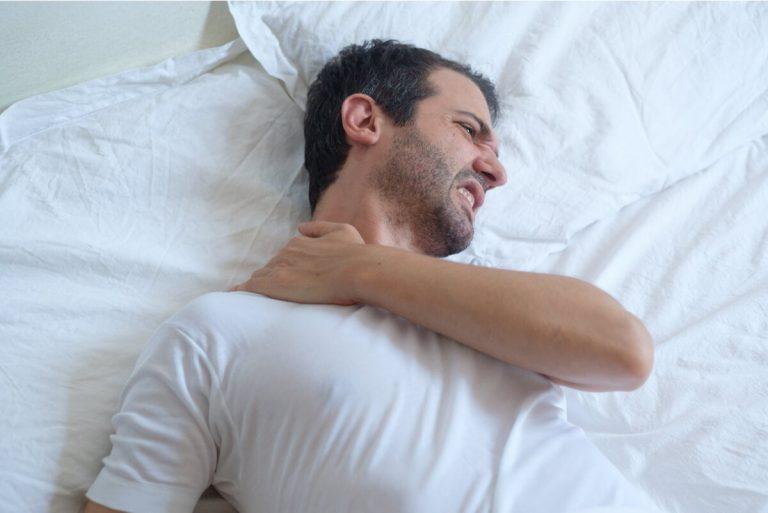 SALUD | Consejos para dormir con el dolor de una tendinitis en el hombro
