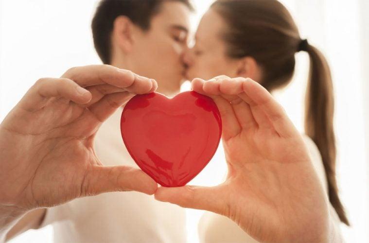 Cinco lenguajes del amor que debes conocer para mejorar tu relación