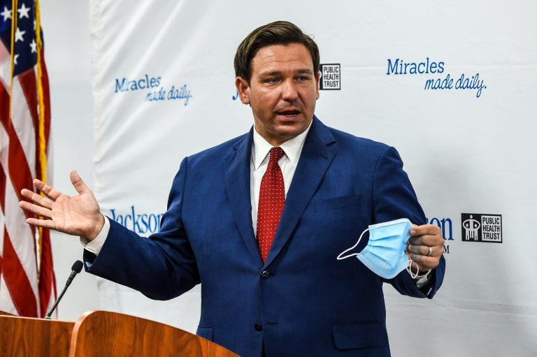 Gobernador de Florida elimina todas las medidas vinculadas a la COVID-19