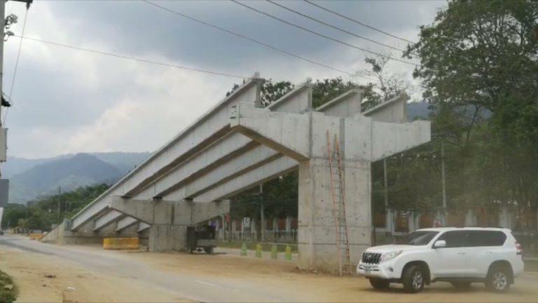 Con instalación de vigas, Municipalidad SPS, avanza en el proyecto Paso Merendón