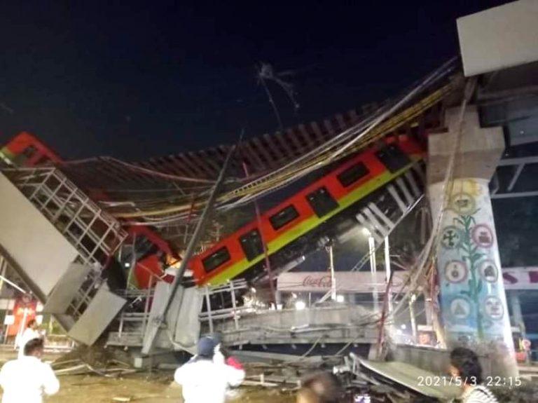 VÍDEO  Caos en México: se derrumba puente y cae vagón con pasajeros