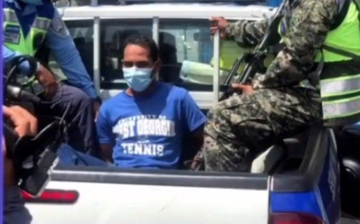 Cuando iba a abordar un bus, capturan a uno de los más buscados de Honduras
