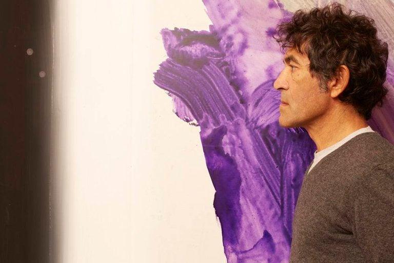 Artista subasta escultura invisible y la compran por 18,300 dólares