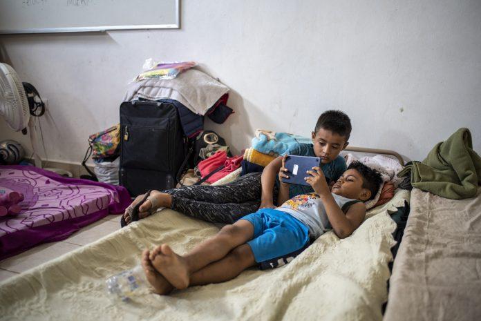 maestra hondureña niños migrantes