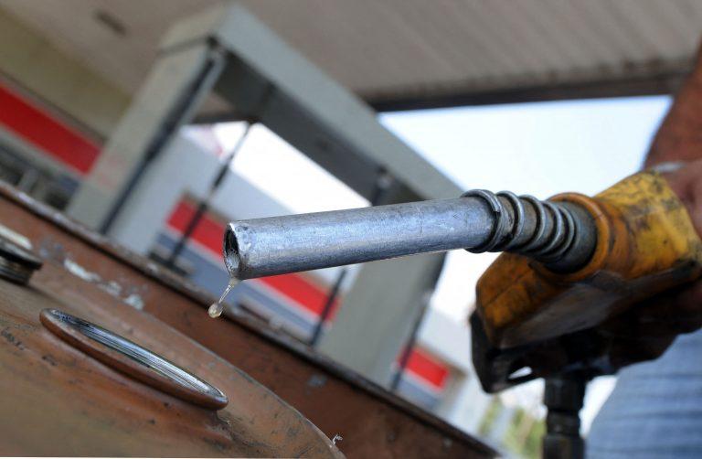 """Luego de varios aumentos, precio de combustibles tendrá """"mínima"""" rebaja"""