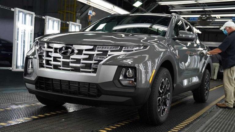 Hyundai inicia producción de su primera pick-up: va saliendo del horno