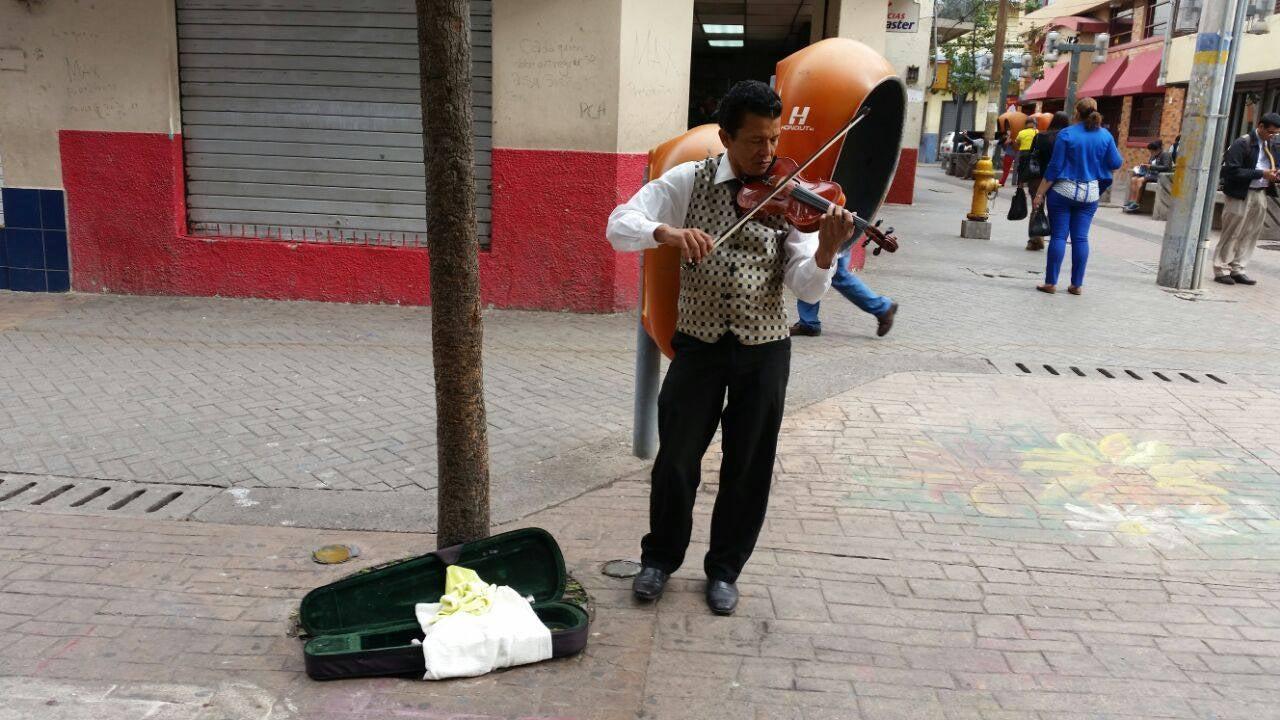 Desmienten muerte violinista Melvin Saravia