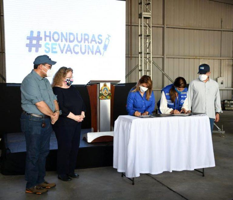 """Tras llegada de dosis a Honduras: JOH advierte que """"vacunarse no es suficiente"""""""