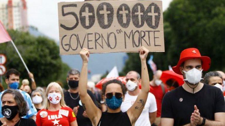 Brasileños salen en protestas contra Bolsonaro y exigen vacunas