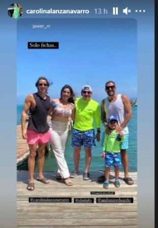 Carolina Lanza y novio en Roatán