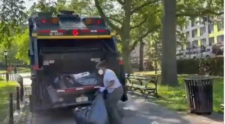 ¡VIRAL! Aplauden labor de hondureña que se gana la vida recogiendo basura en EEUU