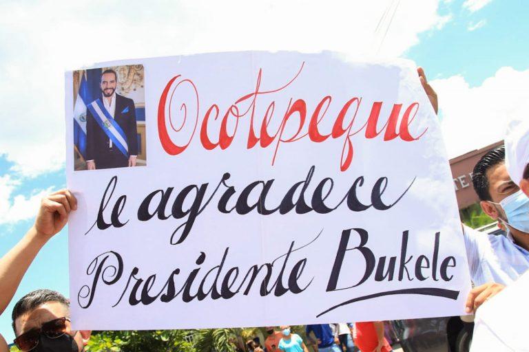 """""""Gracias presidente Bukele"""": llegan lotes de vacunas a municipios de Honduras"""