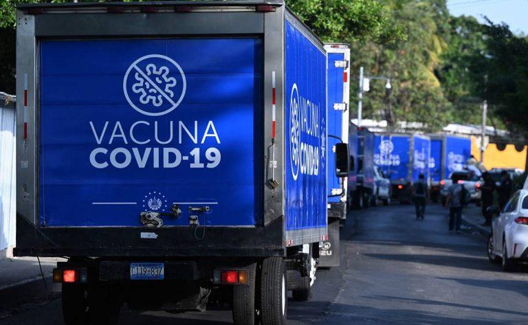 """""""El Salvador va a quedar en la historia"""": alcaldes hondureños reaccionan tras recibir vacunas"""