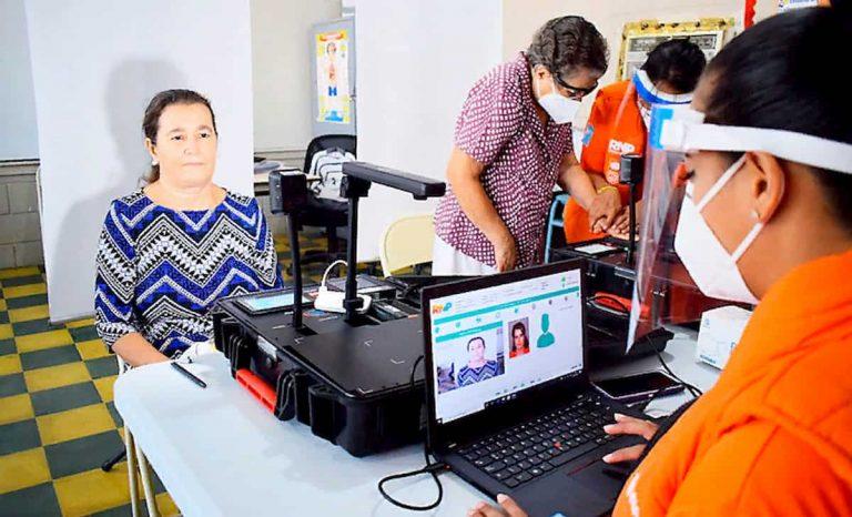 RNP espera entregar cien mil DNI cada día en Honduras