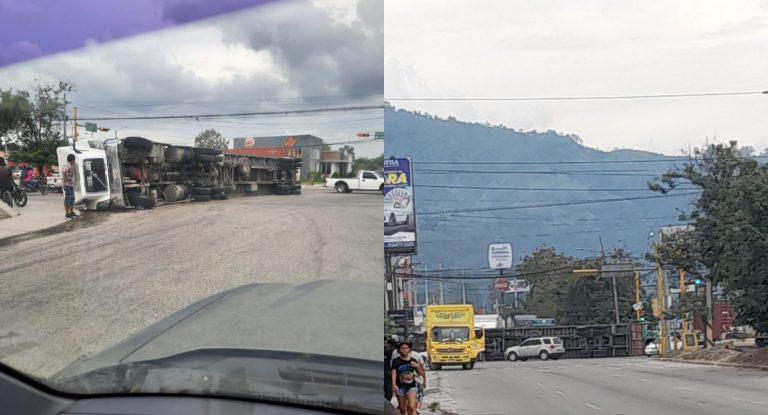 Rastra se «va de lado» y provoca congestionamiento en carretera de Choloma-SPS
