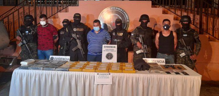 hombres 13 millones supuesta cocaína