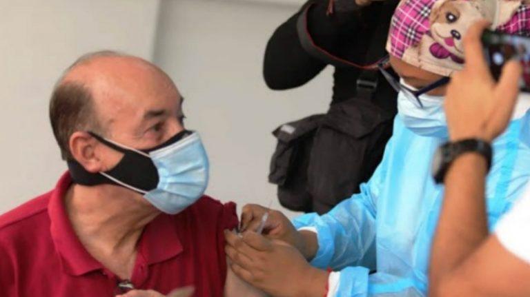 Vea en dónde y a quiénes les toca vacunarse contra el COVID-19