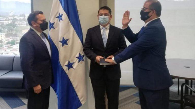 Nombran a Leonardo Deras como nuevo comisionado de la CREE