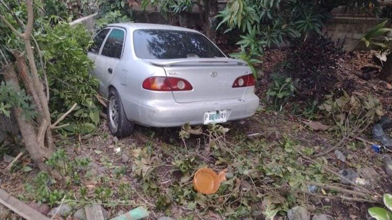 Carro se sale de carretera y mata a vendedoras de jugo en La Ceiba