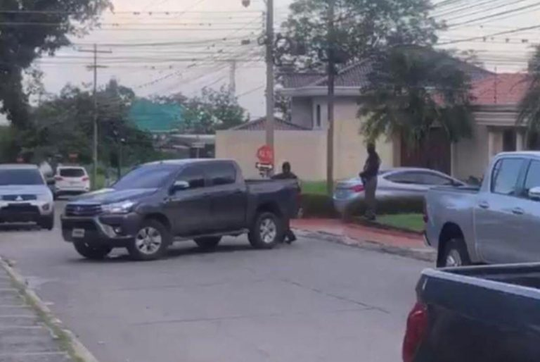 Allanamiento en casa de Río de Piedras: reportan captura de una persona