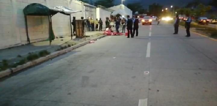 Matan a dos hombres en SPS: uno bajaba de moto y otro frente a maquila