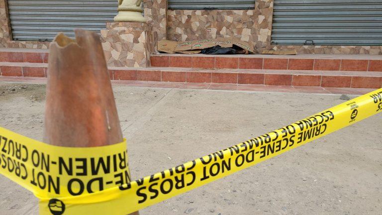 De varias pedradas matan a un adulto mayor en plaza de La Lima, Cortés