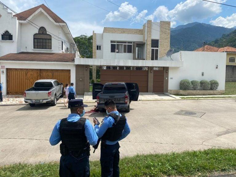 En tiroteo en residencial El Pedregal matan a hijo del dueño de El Bombazo
