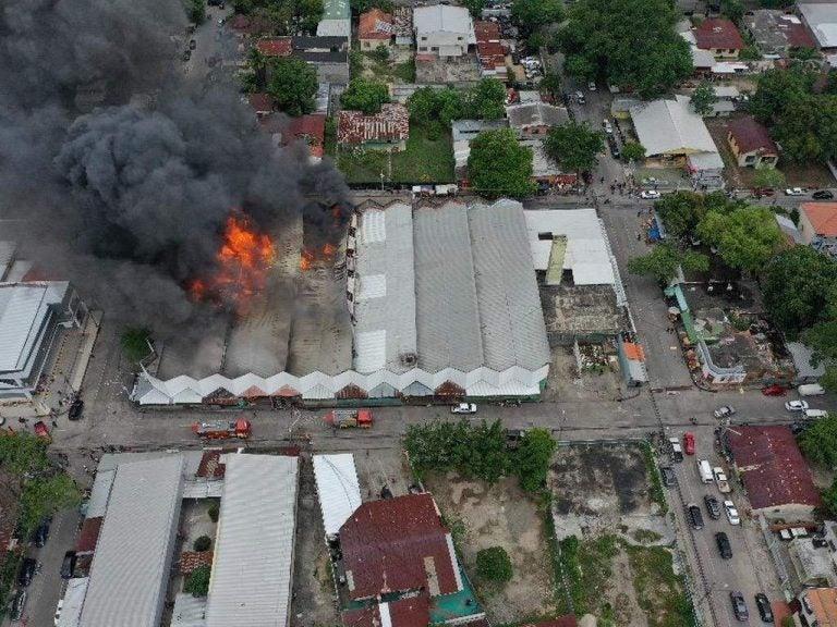 A un año del incendio, locatarios del Mercado Guamilito sobreviven y mantienen la esperanza