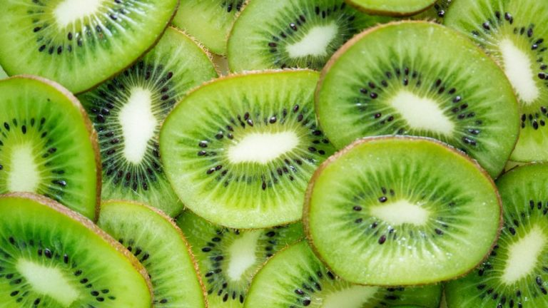 SALUD   El más rico en vitamina C, los beneficios del kiwi en la salud y belleza